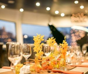 A la carte 3 hours dinner cruise with folklore show