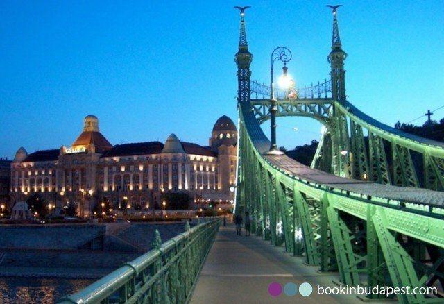 https://bookinbudapest.com/images/gallery/it-bagni-termali-gellert/gellert_hotel_from_the_szabadsag_bridge_1920x1080.fill.jpg