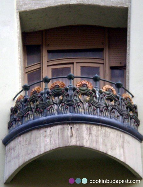 Casa d arte nouveau ungherese for Ornamenti casa