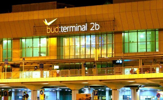 Round trip airport transfer Budapest