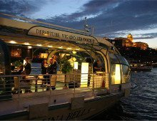 Budapest Candlelit Dinner Cruise on Legenda